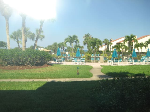 Siesta Dunes 2-104. Short walk to the beach and pool! Updated Unit.