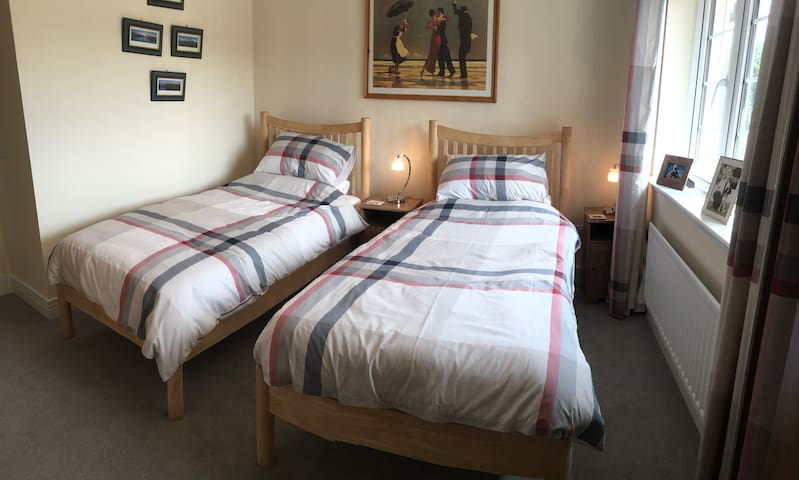Twin room with private bathroom - North Berwick - Bed & Breakfast