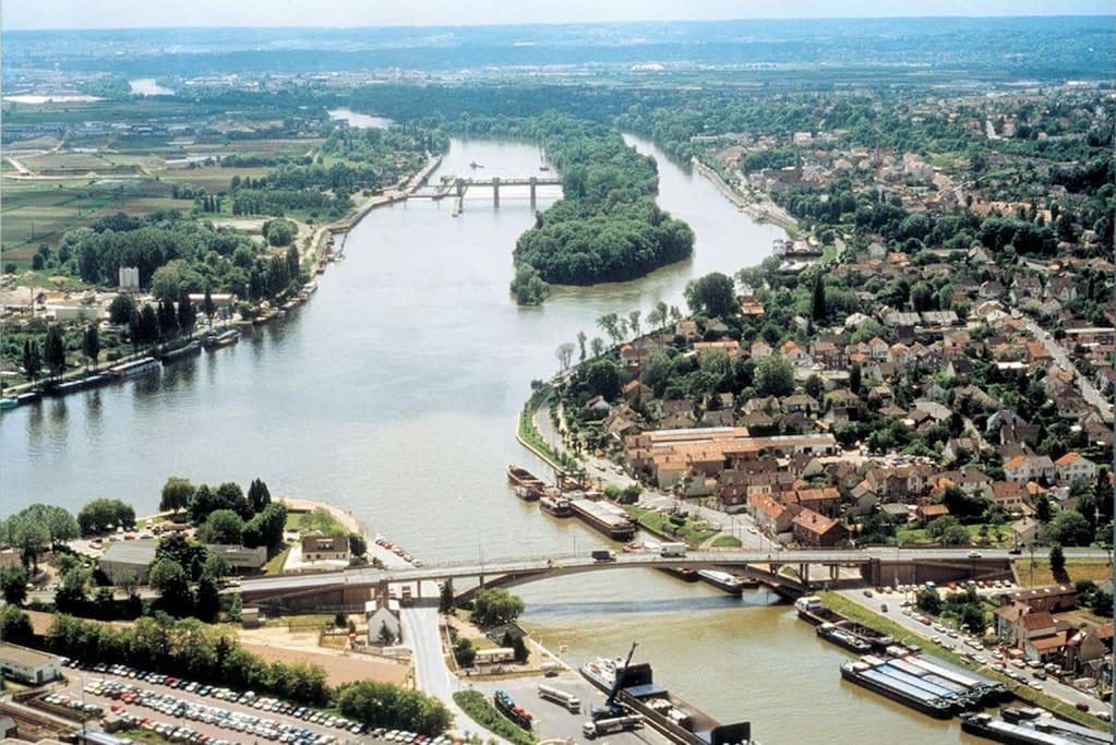 vue du confluent - promenades bords de seine  et seine - oise
