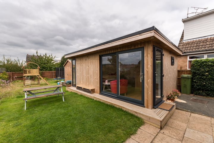 Detached Garden Room in Cheltenham - Cheltenham - Stuga