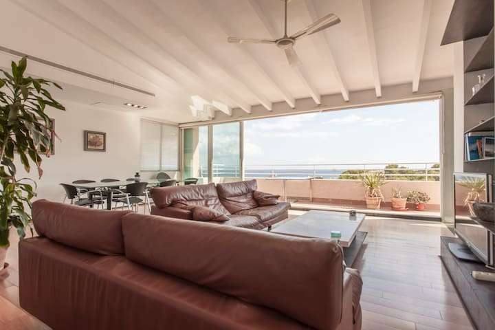 Spacious penthouse near the beach - Cas Català - Apartament