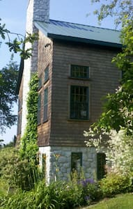 Timber Frame Retreat in Middletown. - Middletown