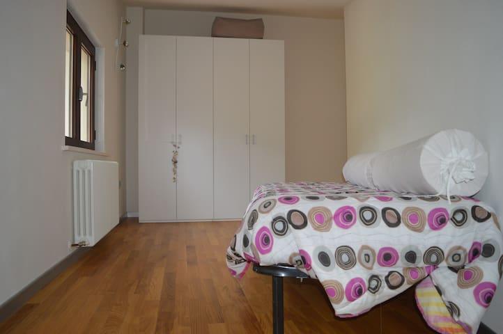 appartamento in zona residenziale - Urbania - Apartamento