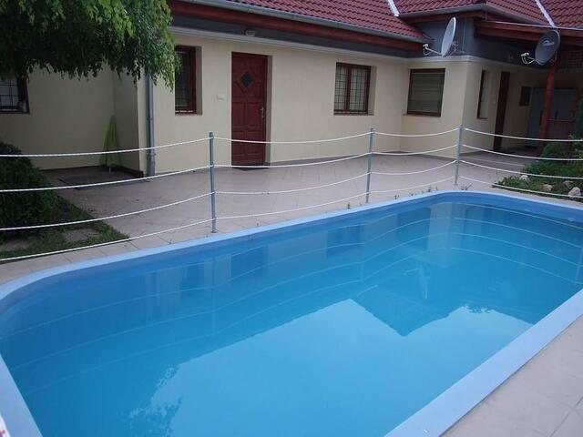 Villa con Piscina e giardino - Siófok - Villa