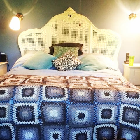 TWO DOUBLE ROOMS AT CAEHEULOG, MAENDY, COWBRIDGE - COWBRIDGE - Haus