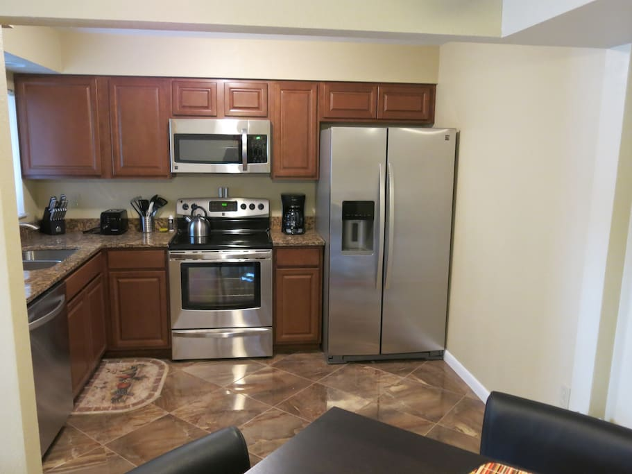 Large kitchen with everything you need to cook a great meal.
