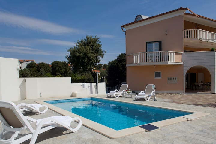 Villa Omnes, perfect place for your holiday, 8+2