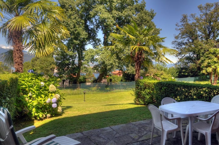 Stresa - Apartment  with garden.