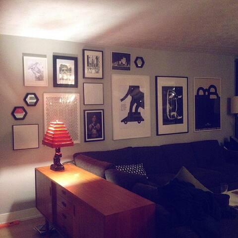 Bright Room. Quiet. Close to TTC.
