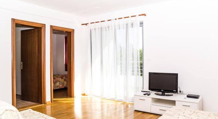 Сдаётся квартира в Будве  Черногория 48м2 - Budva - Leilighet