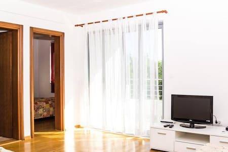 Сдаётся квартира в Будве  Черногория 48м2 - Budva - Apartamento