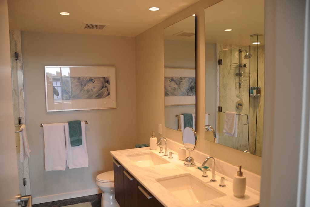 Private ensuite for master