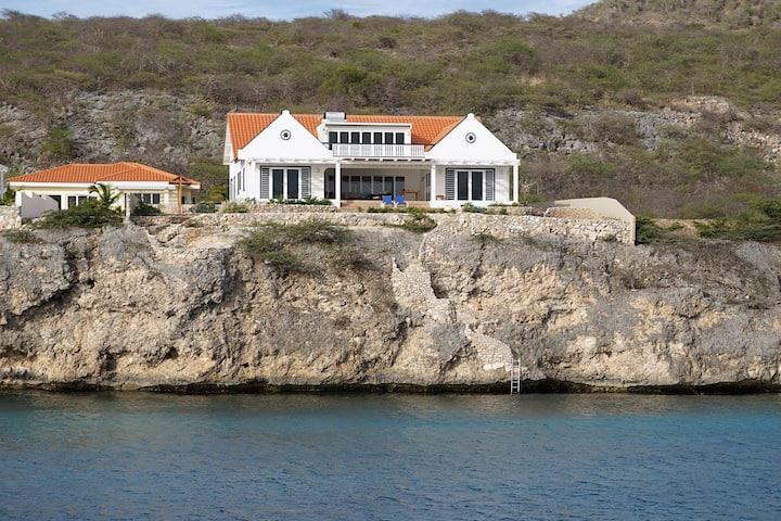 Apartment in Oceanfront Ecofriendly Villa
