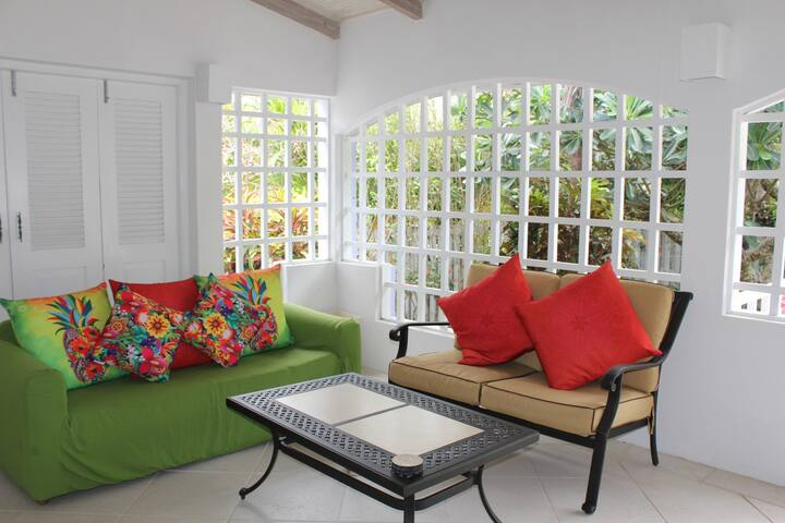 Affordable Luxury Close To Beach