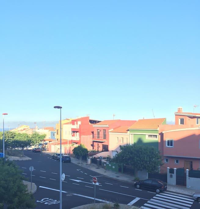 Vista exterior de la urbanización. Neighborhood.