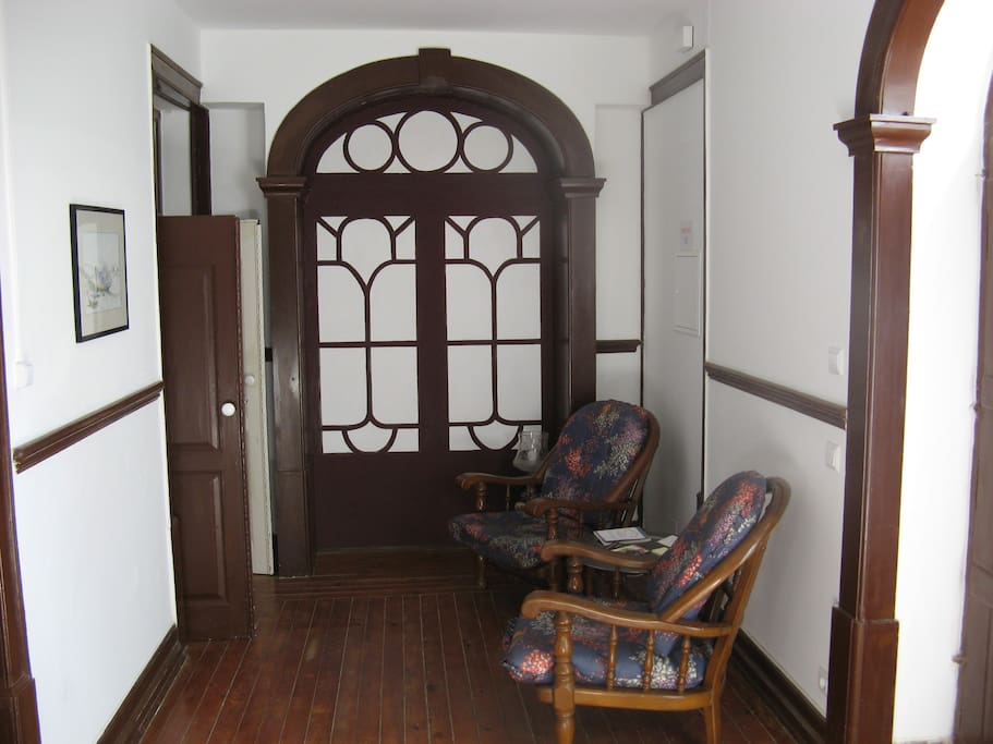 Anteroom with easy chairs