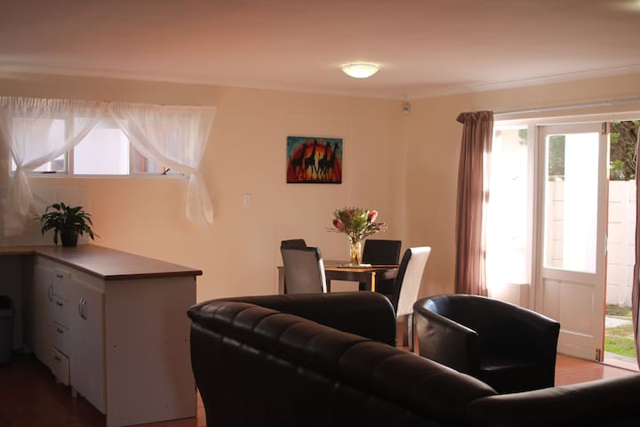 Tranquil Beach Apartment - Cape Town - Huoneisto