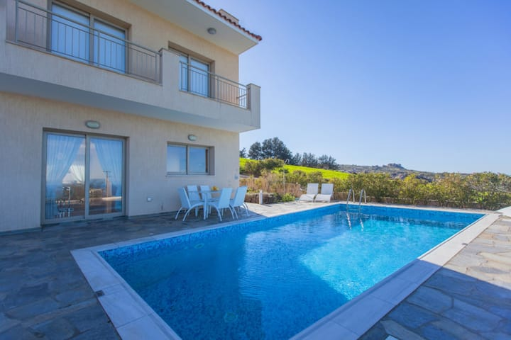 Luxury Villa - Amazing Sea Views - Sauna- Pool