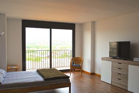 Loft - Oliana - Apartment