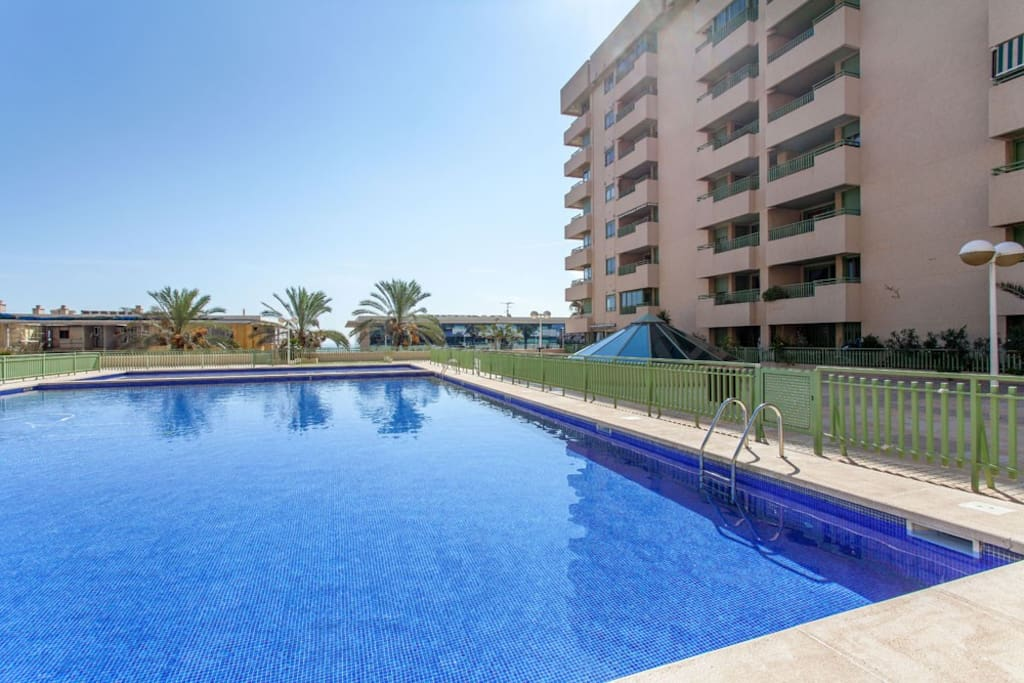 Rental with pool in spain beach wohnungen zur miete for Piscina patacona