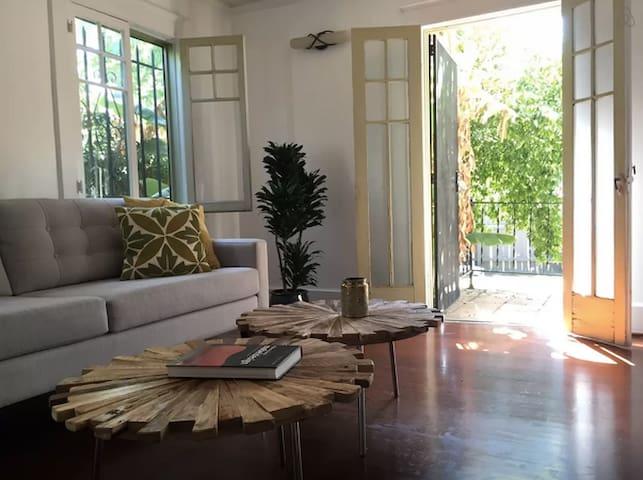 Private Room + Bath + LGBT Friendly - Los Angeles - Ház