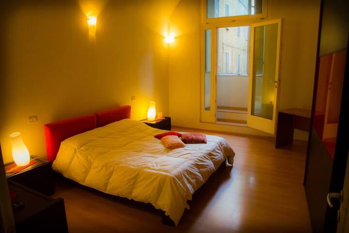 """Room Siena behind""""Piazza del Campo"""" - Siena"""