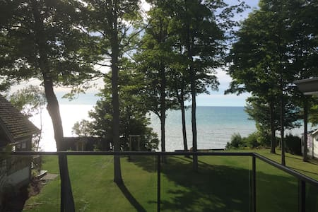 Bayfield Beachfront-Compass Suite - Bluewater