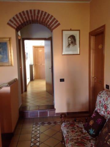Stanza 3:da 1 a 2 pers bagno privat - Mettone - Villa