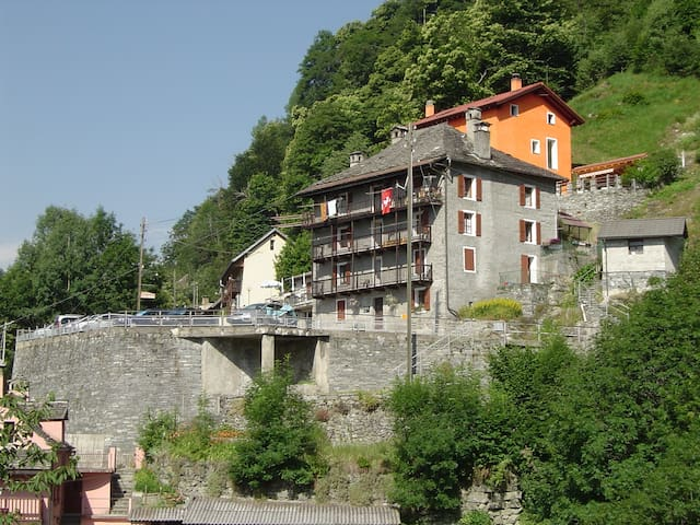 "Bed & Breakfast ""A la Crus"" - Crana - Onsernone - Bed & Breakfast"