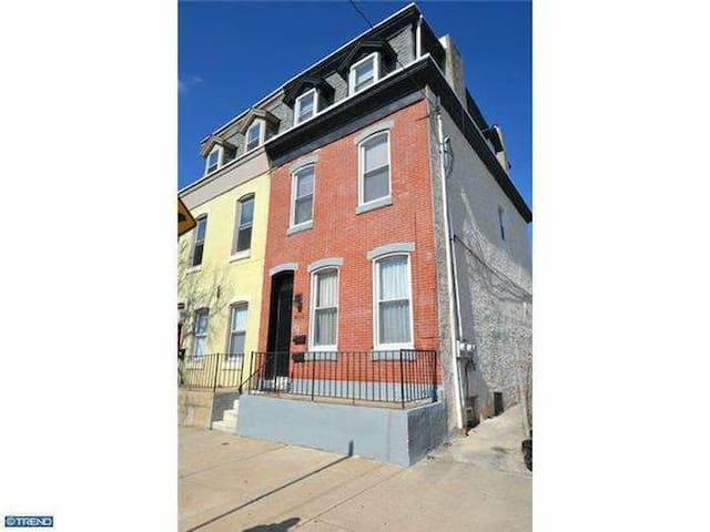bedroom apartment pope weekend flats for rent in philadelphia