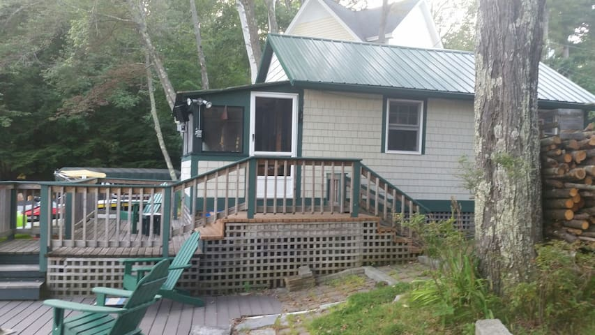 Seasonal lake side cottage - Weare - Cabane