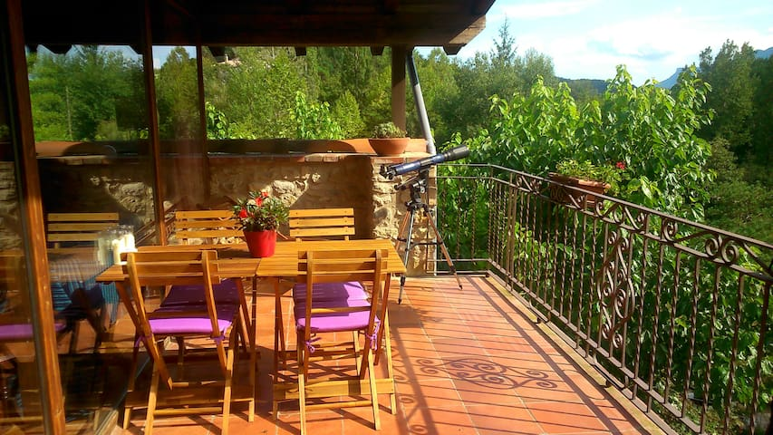 at Mas Franch:Spacious, warm bright - Sant Feliu de Pallerols - Appartement