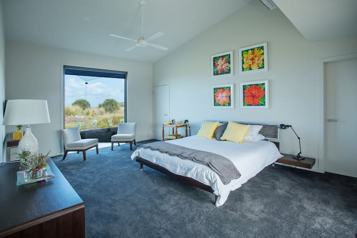Luxury Spa room with views - Kilcunda