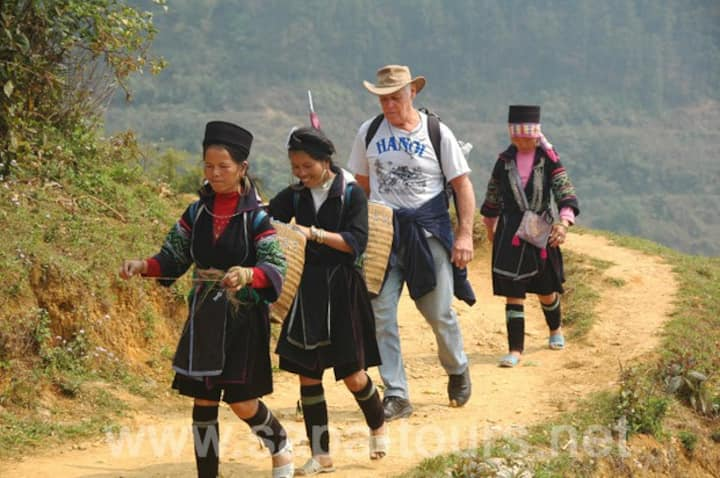 Deluxe Sapa tour (Hotel) by bus