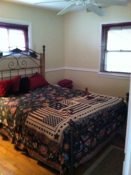 Down stairs bed room with  Queen  Bed