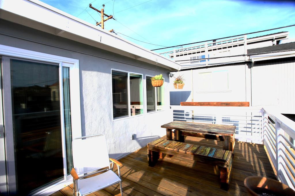 2nd floor deck with barbecue