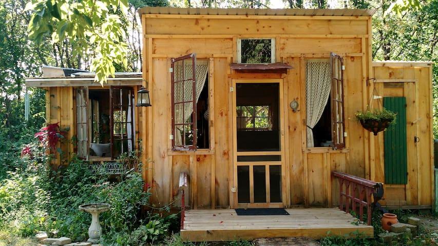 Charming Rustic Cabin - Argyle - Cabaña