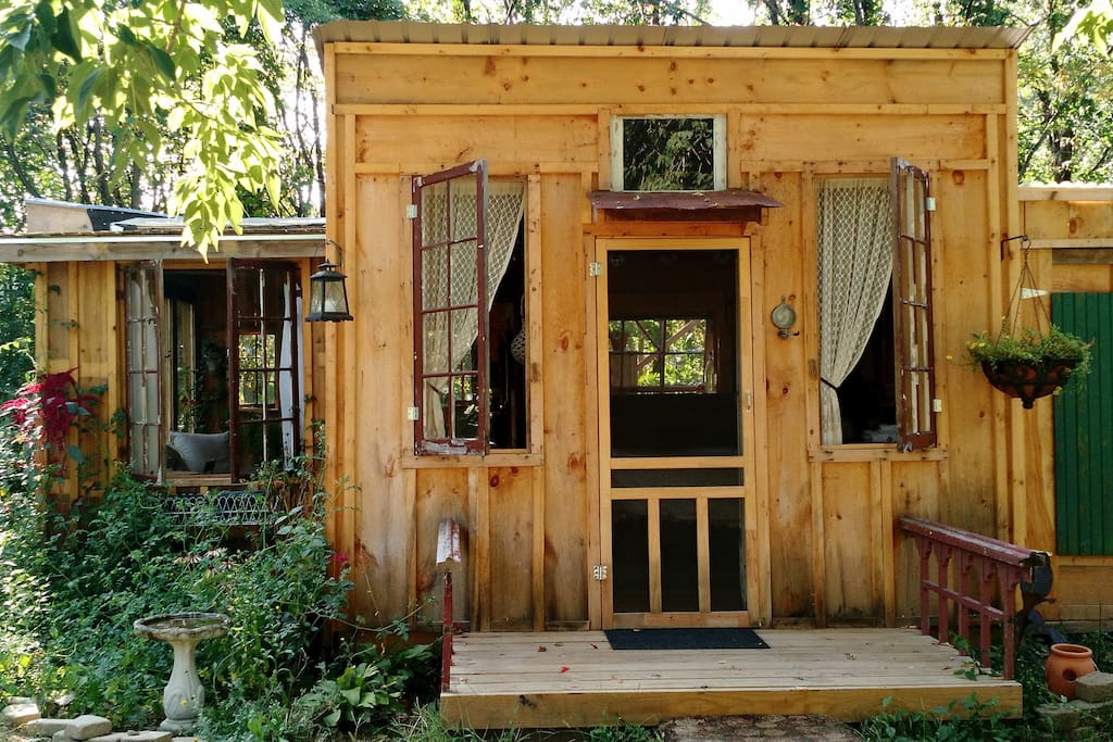 Charming Rustic Cabin Cottages For Rent In Argyle New