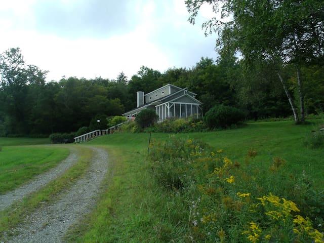 Valhalla Haus~4mi. from Jay Peak Mt - Montgomery - Huis