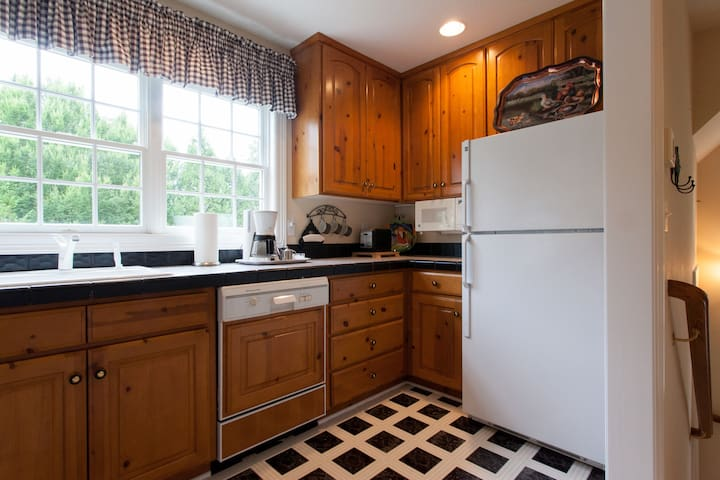 Pheasant Hill ~ Guest Apartment - Lake Oswego - Lägenhet