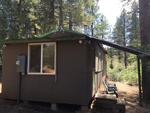 Rustieke hut grenzend aan het Zion National Park hek!