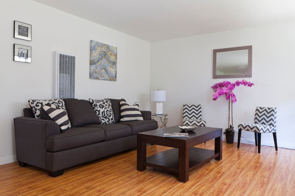 Large two bedroom in brentwood apartments for rent in - 2 bedroom apartments los angeles ...