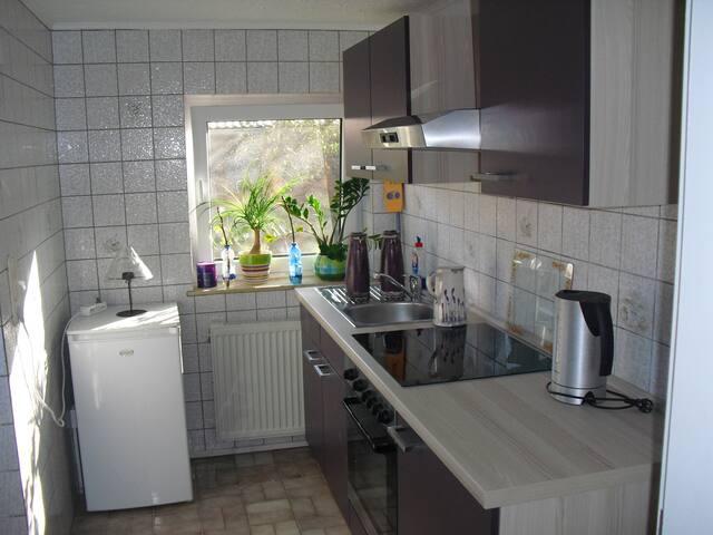 Niedliche möblierte 2 Zimmer Whg. - Krüzen - Bungalov