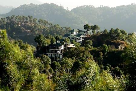 Villa Mountain Crest - Dagshai