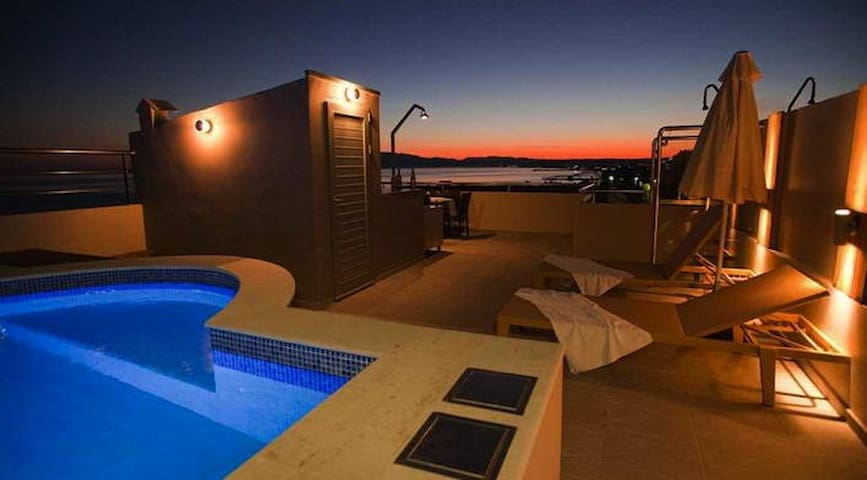 Villa Chania with Roof top Pool