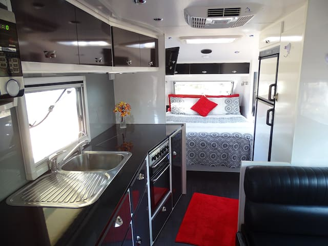 luxury caravan in a rural setting - Holtze