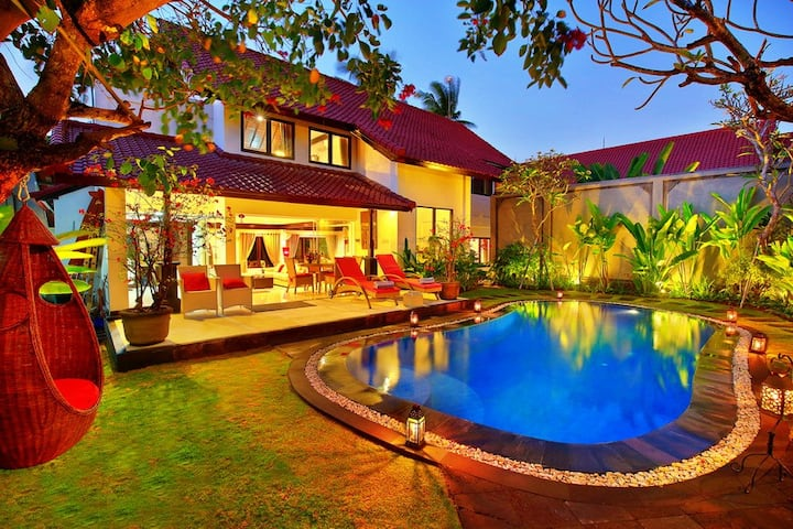BEACHSIDE PRIVATEPOOL ALYSHA SEMINYAK 10 people