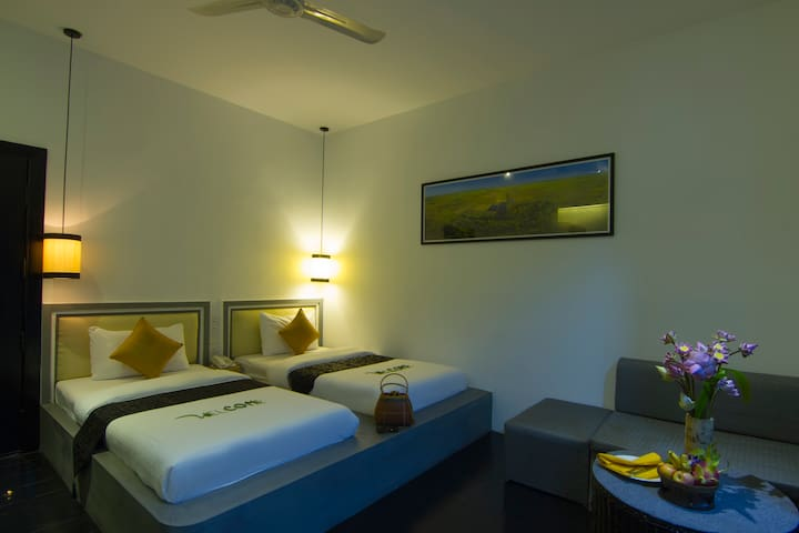 Deluxe Twin with Balcony (Free airport shuttle) - Krong Siem Reap - Szoba reggelivel