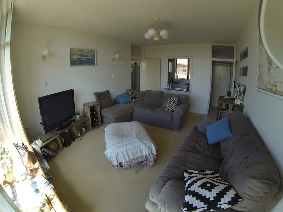 Comfy lounge area to relax, chat & have some down time