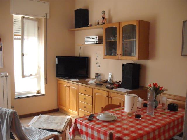 appart. p. terra, 100mq, riscal aut - Calolziocorte - Apartemen